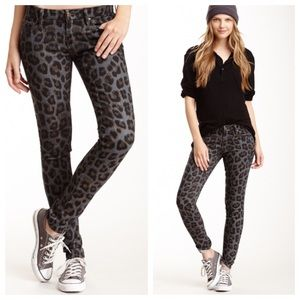 Mother The Looker Skinny Jean in Leopard Paw Print